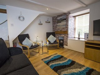 Kalafrana Cottage, Love Lane - Downalong - Sleeps 4 - Parking - Pet Friendly