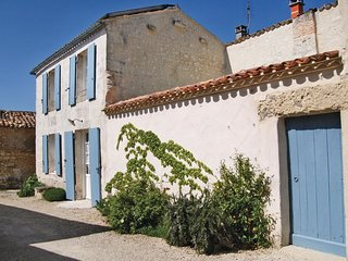 2 bedroom Villa in Mortagne-sur-Gironde, Nouvelle-Aquitaine, France : ref 553904