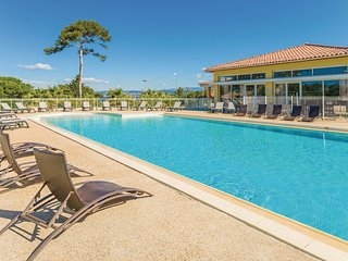 1 bedroom Apartment in Le Brusc, Provence-Alpes-Côte d'Azur, France : ref 555048