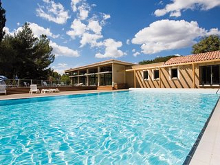 2 bedroom Apartment in Saint-Martin-de-Bromes, Provence-Alpes-Cote d'Azur, Franc