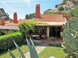Porto Pollo Holiday Home Sleeps 5 with Pool and Air Con - 5651545