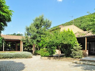 Podere Dottrina Apartment Sleeps 6 with Pool Air Con and WiFi - 5655333