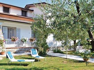 2 bedroom Villa in Stazione di Caprigliola-Albiano, Tuscany, Italy : ref 5539878