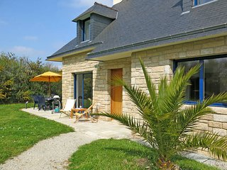 5 bedroom Villa in Sarzeau, Brittany, France : ref 5441405