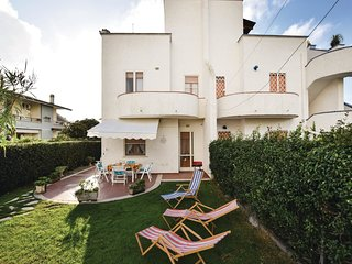 3 bedroom Villa in Porto Clementino, Latium, Italy : ref 5541141