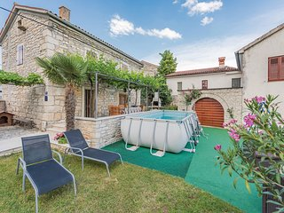 2 bedroom Villa in Peresiji, Istria, Croatia : ref 5564450