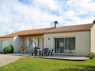 3 bedroom Villa in Dolus-d'Oleron, Nouvelle-Aquitaine, France : ref 5436485