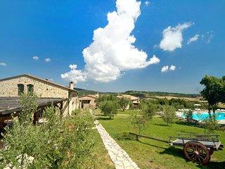 2 bedroom Apartment in Castel San Gimignano, Tuscany, Italy : ref 5513182