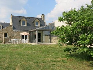 3 bedroom Villa in Plouhinec, Brittany, France : ref 5441384
