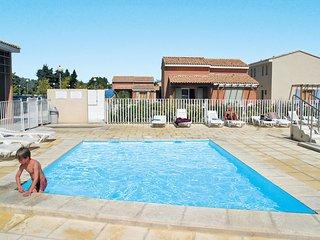 3 bedroom Apartment in Saint-Saturnin-les-Avignon, Provence-Alpes-Cote d'Azur, F