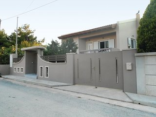2 bedroom Villa in Néa Loútsa, Attica, Greece : ref 5519914