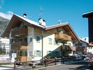 3 bedroom Apartment in Pozza di Fassa, Trentino-Alto Adige, Italy : ref 5655015