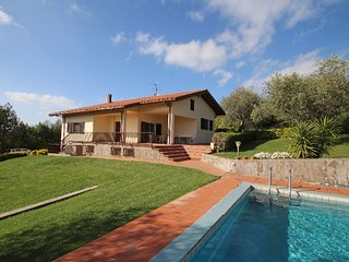San Michele Holiday Home Sleeps 5 with Pool and Free WiFi - 5177636