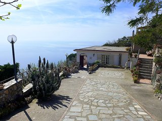 3 bedroom Apartment in Sant'Agata sui Due Golfi, Campania, Italy : ref 5555502