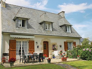 4 bedroom Villa in Plonéour-Lanvern, Brittany, France : ref 5522020