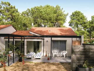 2 bedroom Villa in LAiguillon-sur-Mer, Pays de la Loire, France : ref 5549603