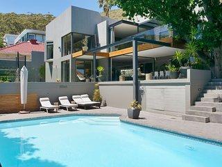 Modern Spacious Family Urban Oasis Villa