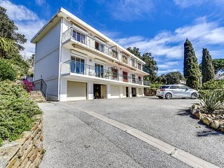 1 bedroom Apartment in Le Lavandou, Provence-Alpes-Côte d'Azur, France : ref 560
