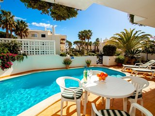 2 bedroom Villa in Vale do Lobo, Faro, Portugal : ref 5480133