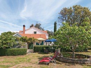3 bedroom Villa in Pucisca, Splitsko-Dalmatinska Zupanija, Croatia : ref 5533166