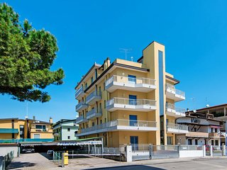 1 bedroom Apartment in Lido di Jesolo, Veneto, Italy : ref 5655487