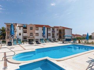 2 bedroom Apartment in Okrug Gornji, Croatia - 5546165