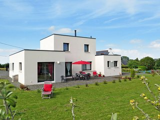 3 bedroom Villa in Trevou-Treguignec, Brittany, France : ref 5650272