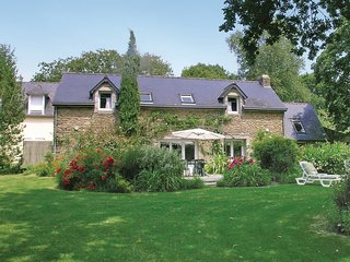 4 bedroom Villa in Nizon, Brittany, France : ref 5522009