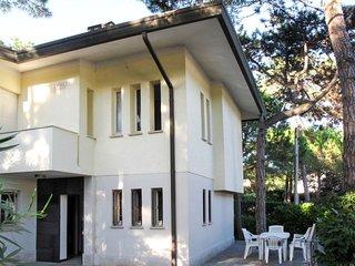 2 bedroom Apartment in Lignano Sabbiadoro, Italy - 5638614