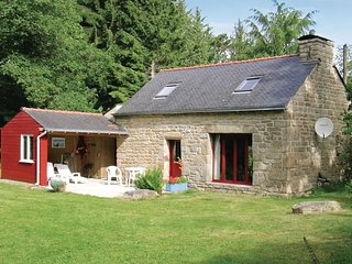 2 bedroom Villa in Lestrevedan, Brittany, France : ref 5522099