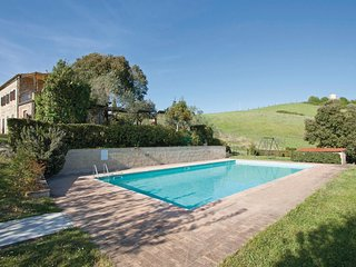 3 bedroom Apartment in Casole d'Elsa, Tuscany, Italy : ref 5523645