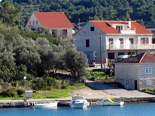 3 bedroom Villa in Lumbarda, Dubrovacko-Neretvanska Zupanija, Croatia : ref 5561