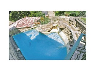 2 bedroom Villa in Lauris, Provence-Alpes-Cote d'Azur, France : ref 5565739
