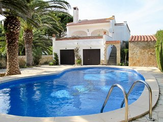 3 bedroom Villa in l'Estartit, Catalonia, Spain - 5649753