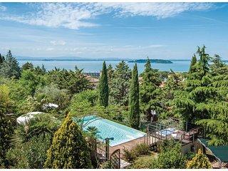2 bedroom Villa in Passignano sul Trasimeno, Umbria, Italy : ref 5543303