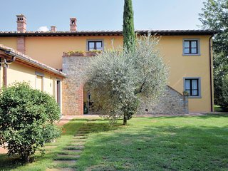 2 bedroom Apartment in Camucia-Monsigliolo, Tuscany, Italy : ref 5541100