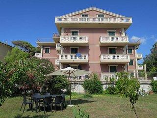 2 bedroom Apartment in Rosignano Solvay-Castiglioncello, Italy - 5446413