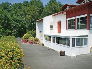 2 bedroom Villa in Urrugne, Nouvelle-Aquitaine, France : ref 5521932