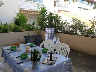 1 bedroom Apartment with WiFi and Walk to Beach & Shops - 5643000