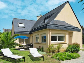 3 bedroom Villa in Cléder, Brittany, France : ref 5438069