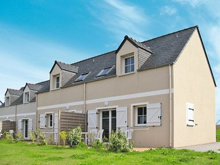 2 bedroom Apartment in Pentrez, Brittany, France : ref 5642317