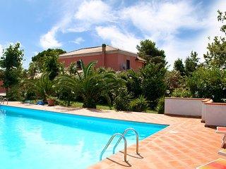 4 bedroom Villa in Annunziata, Abruzzo, Italy : ref 5553126