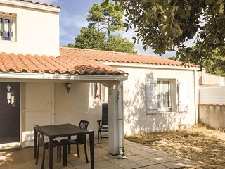 3 bedroom Villa in La Terriere, Pays de la Loire, France : ref 5552192