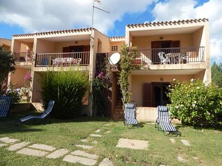 2 bedroom Apartment with Walk to Beach & Shops - 5310629