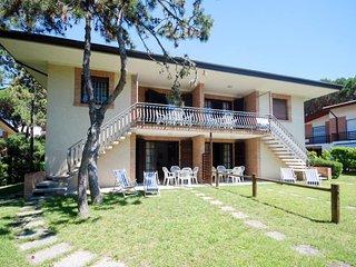 2 bedroom Apartment in Lignano Riviera, Friuli Venezia Giulia, Italy : ref 56385