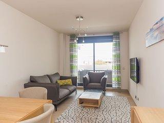 ☆Spacious Apartment 2BR | Travel cot + High Chair