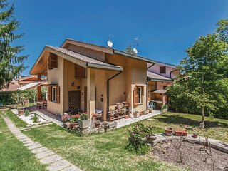 4 bedroom Villa in Punta del Lago, Latium, Italy : ref 5537684