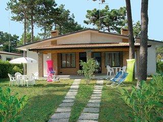 3 bedroom Villa in Lignano Sabbiadoro, Friuli Venezia Giulia, Italy : ref 564659