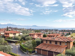2 bedroom Apartment in Padenghe sul Garda, Lombardy, Italy : ref 5570139
