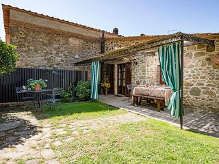 3 bedroom Apartment in Popoltaio-Schiacciato, Umbria, Italy : ref 5554643